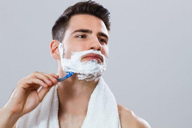 afeitarse a contrapelo